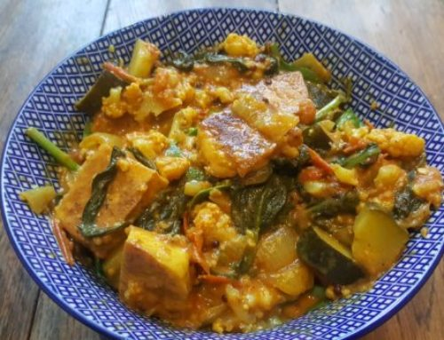 TOFU, CAULIFLOWER AND COURGETTE CURRY